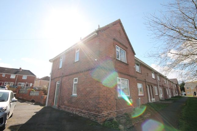 2 bed terraced house to rent in Surrey Crescent, Moorside, Consett DH8