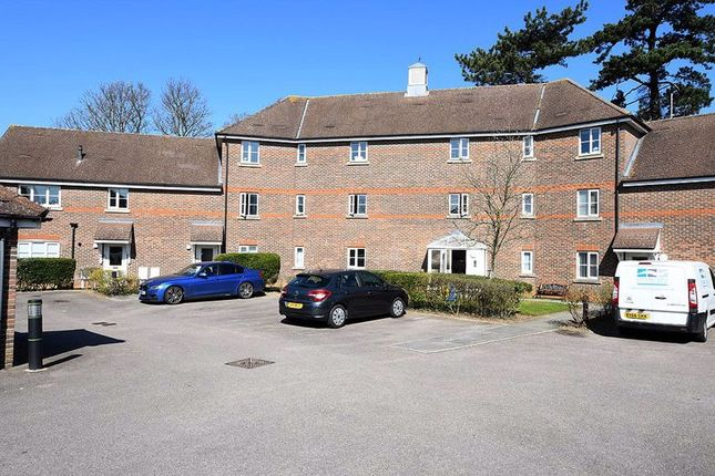 Thumbnail Flat to rent in St. Francis Close, Penenden Heath, Maidstone