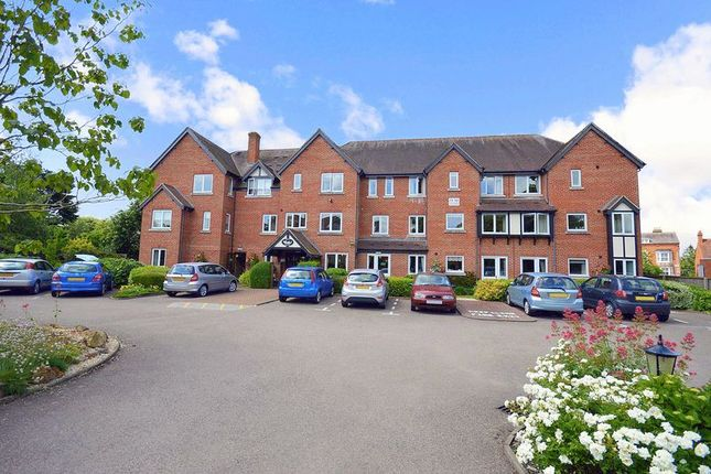 Thumbnail Flat for sale in Swan Court, Stratford-Upon-Avon