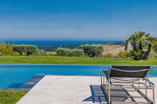Thumbnail Villa for sale in Roquefort Les Pins, Alpes-Maritimes, Provence-Alpes-Côte D'azur, France