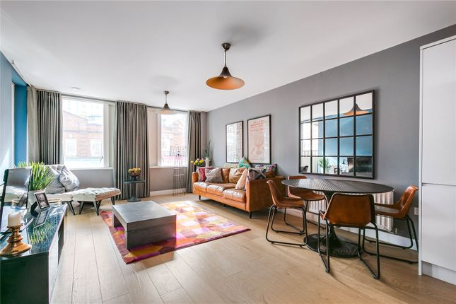 Flat for sale in Wandsworth High Street, London