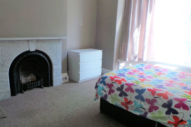 Letting Room of Seaton Avenue, Mutley, Plymouth PL4