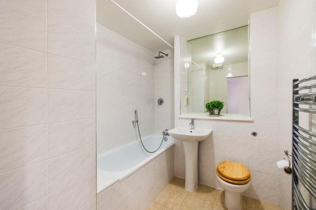 Bathroom of Bloomsbury Plaza, 12-18 Bloomsbury Street, London WC1B