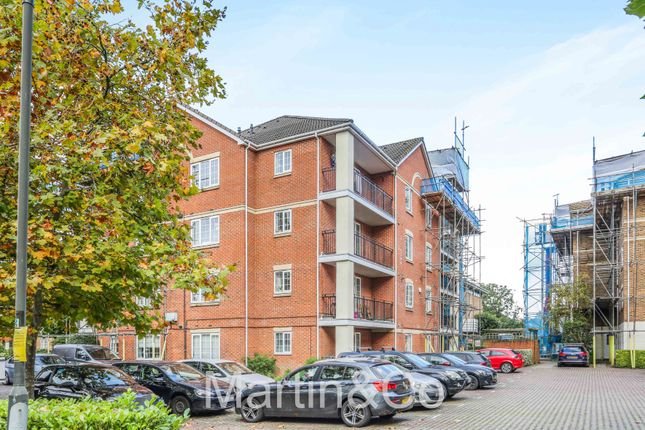 2 bed flat for sale in Bewley Street, London SW19