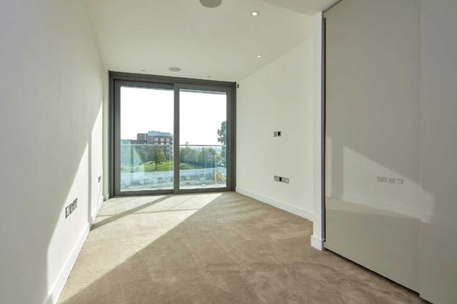Picture 14 of Goldhurst House, Fulham Reach, Fulham, London W6