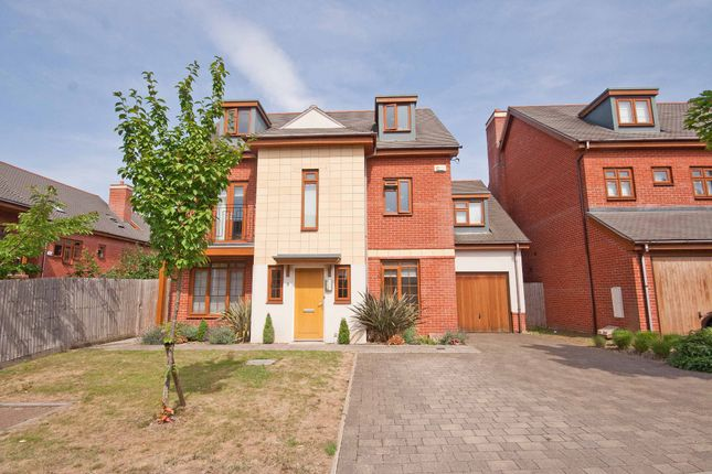 Thumbnail Detached house for sale in Blagrove Crescent, Ruislip, Middlesex