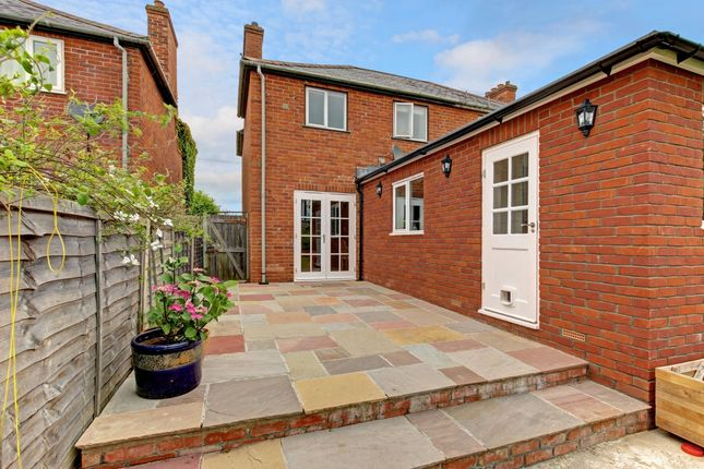 Thumbnail End terrace house to rent in Queens Road, Newbury