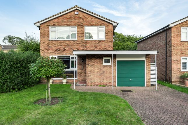 Thumbnail Detached house for sale in High Broom Crescent, West Wickham