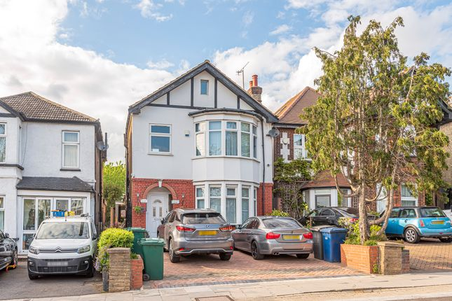 Thumbnail Detached house for sale in Cat Hill, Barnet