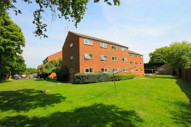 Thumbnail Flat for sale in Henley Drive, Frimley Green, Camberley