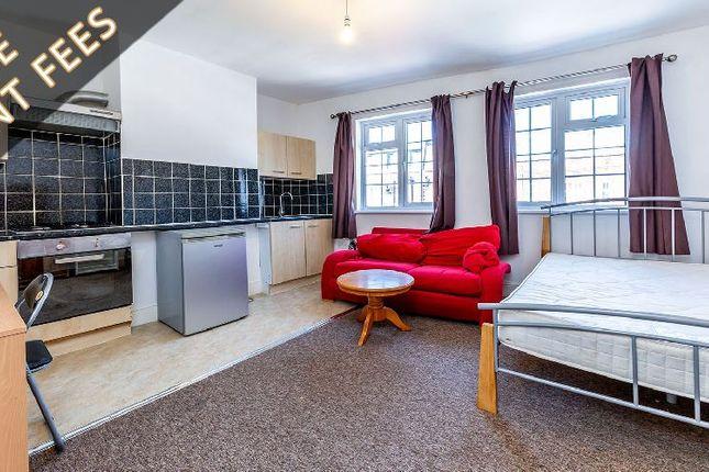 Thumbnail Flat to rent in Chapel Market, London