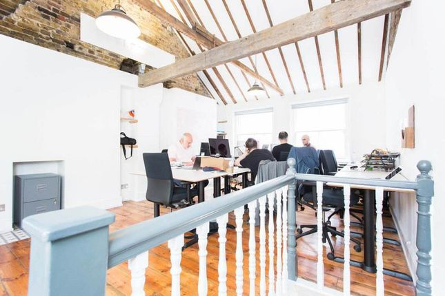 Office to let in Albemarle Way, Clerkenwell