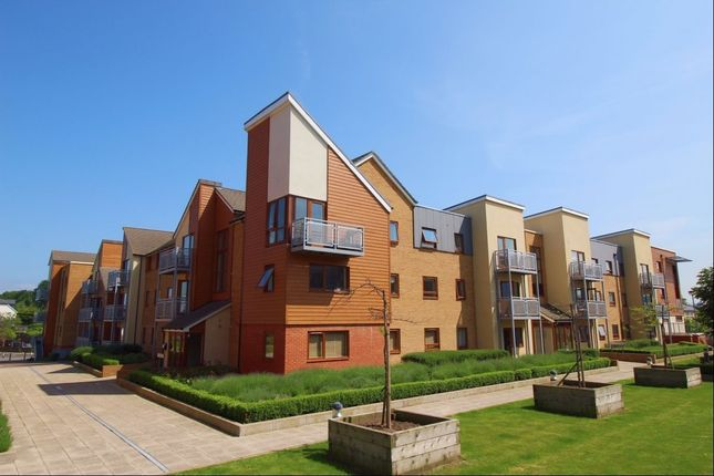 Thumbnail Flat to rent in Evelyn Walk, Greenhithe