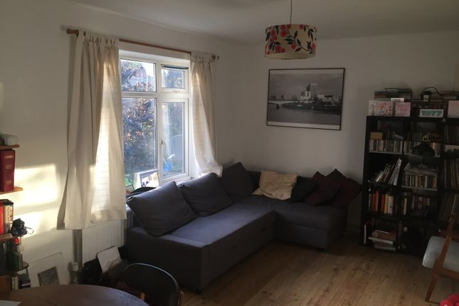 Thumbnail Flat to rent in Lowth Road, London