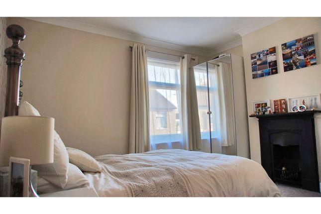 Bedroom One of Fearnley Street, Watford WD18
