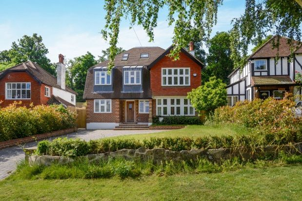 Thumbnail Detached house to rent in Barons Hurst, Epsom