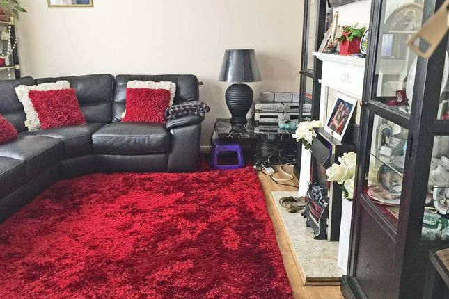 Lounge of Chippenham Road, Harold Hill RM3