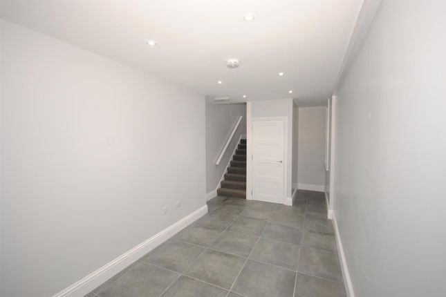 Thumbnail Flat for sale in Charters Lane, Sunninghill, Ascot