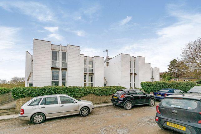 2 bed flat for sale in Riverside, Dorking RH4