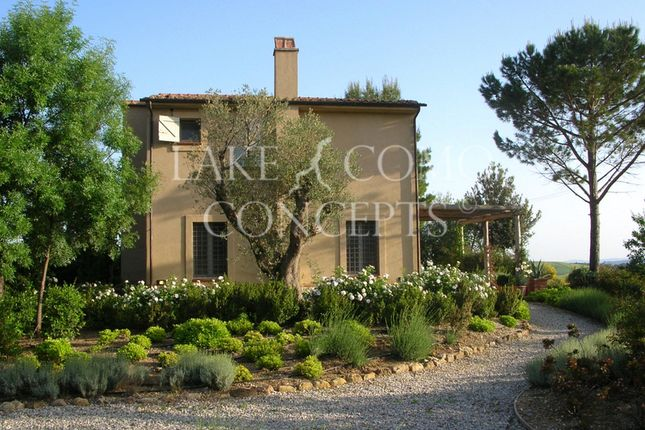 Thumbnail Villa for sale in Villa Near Saturnia, Manciano, Grosseto, Tuscany, Italy