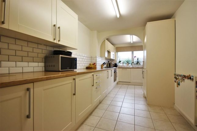 Thumbnail Terraced house to rent in Overmead, Abingdon