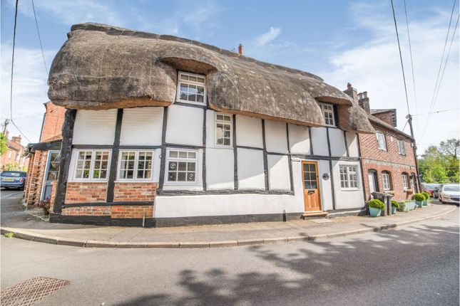 Thumbnail Cottage for sale in Oxford Street, Hungerford