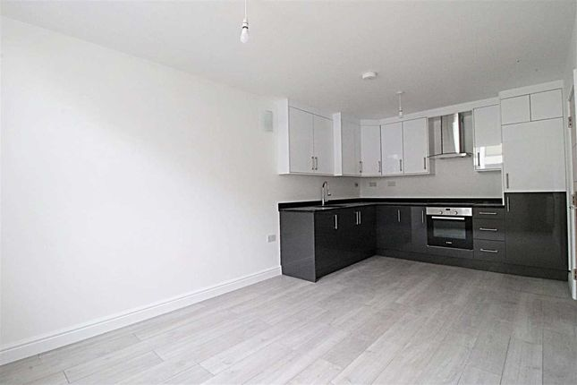 Main Picture of Bromham Road, Charter House, Flat 19, Bedford MK40