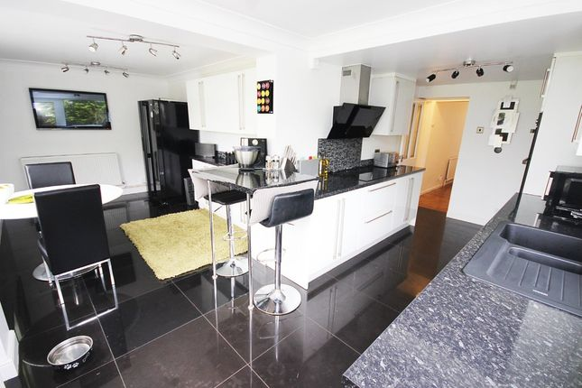 Thumbnail Detached house for sale in Hawley Road, Dartford