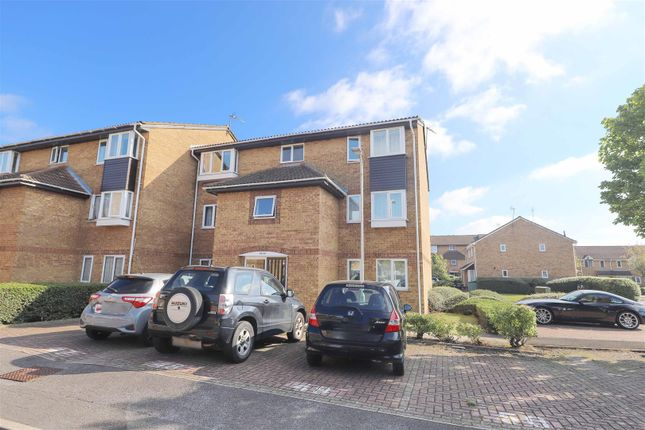 1 bed flat for sale in Newcombe Rise, West Drayton UB7