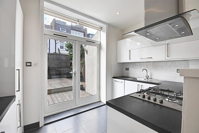 Kitchen of Ennismore Avenue, Chiswick, London W4