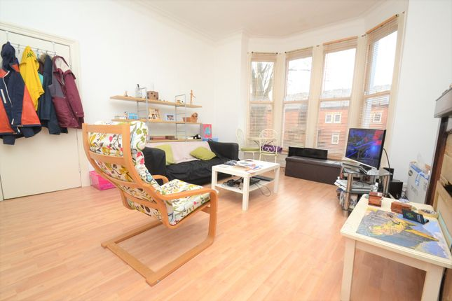 Thumbnail Flat to rent in Oakwood Avenue, Oakwood, Leeds