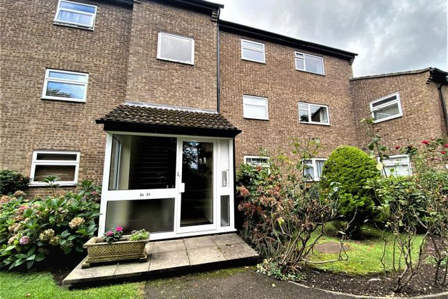 Thumbnail Flat to rent in Steeplands, Bushey