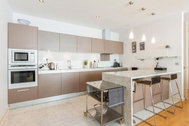 3 bed flat for sale in Melliss Avenue, Richmond, London