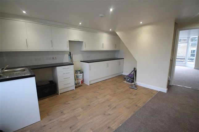 Thumbnail Flat to rent in Calder Edge, Halifax Road, Todmorden