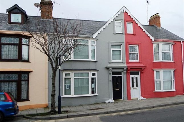 Thumbnail Shared accommodation to rent in Alexandra Road, Aberystwyth