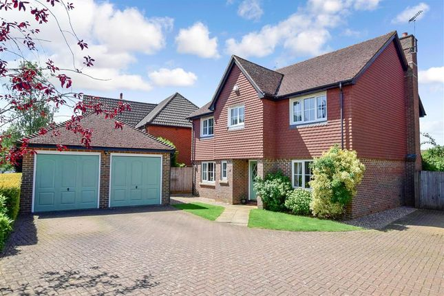 5 bed detached house for sale in The Mews, East Hoathly