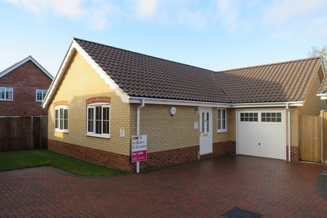 Thumbnail Detached bungalow for sale in Blackthorn Road, Wymondham