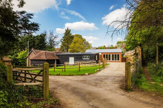 Thumbnail Property for sale in Northcote Lane, Shamley Green, Guildford