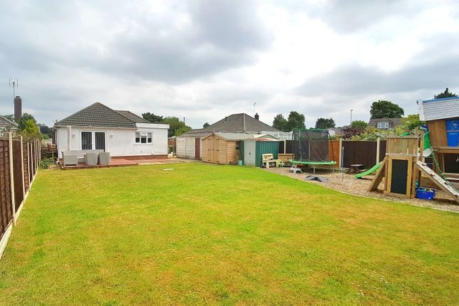 Thumbnail Bungalow for sale in Bognor Road, Broadstone