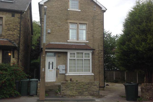 Flat to rent in Avondale Mount, Shipley