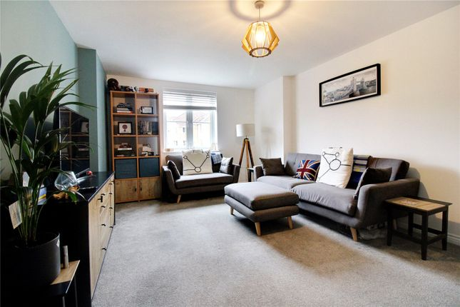 Flat for sale in Endeavour Road, Swindon, Wiltshire