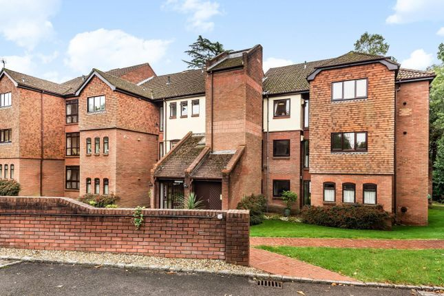 Thumbnail Flat for sale in Raylands Mead, Gerrards Cross