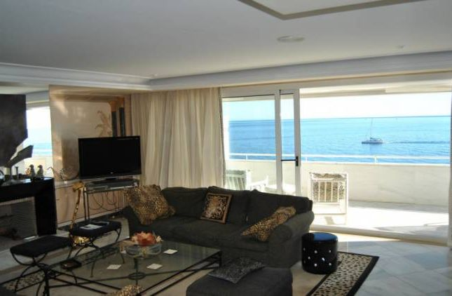 Thumbnail Apartment for sale in Marbella Ciudad, Marbella, Andalucia, Spain