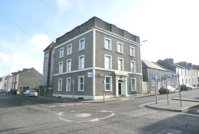 1 bed flat to rent in Laws Street, Pembroke Dock SA72
