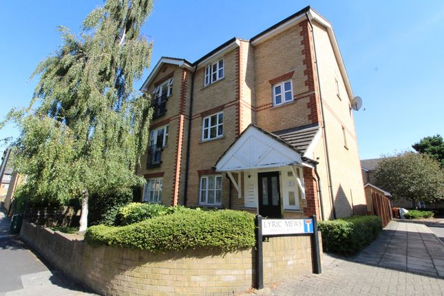 2 bed flat to rent in Lyric Mews, Silverdale SE26