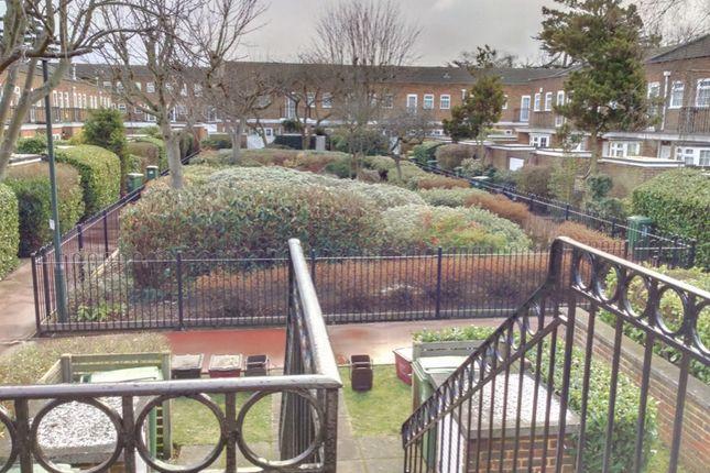 2 bed maisonette to rent in Gainsborough Square, Bexleyheath