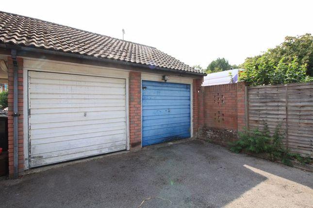 Garage of Creedy Gardens, West End, Southampton SO18