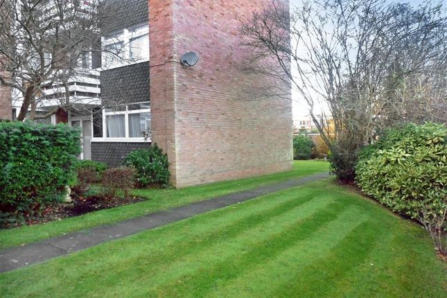 Thumbnail Flat for sale in Burland Road, Brentwood, Essex