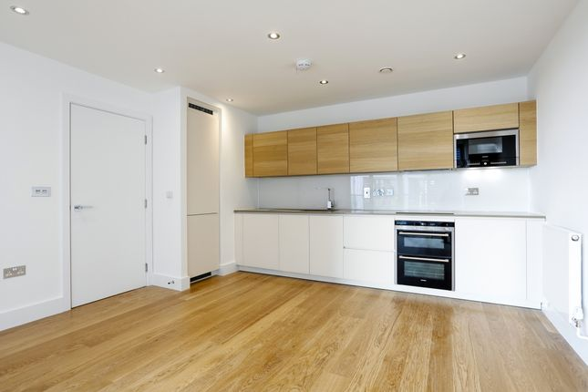 Thumbnail Property to rent in Stamford Square, London