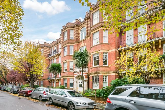 3 bed flat to rent in Riverview Gardens, London